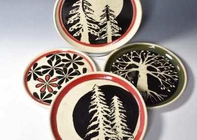 Sgrafittp Carved Group of Plate