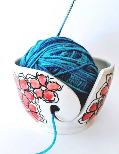 Yarn_Bowl_redFlowers