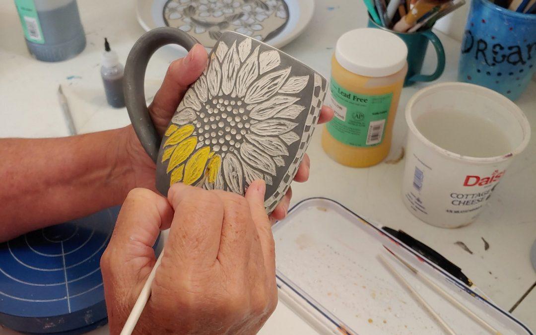 Underglaze painting on Pottery