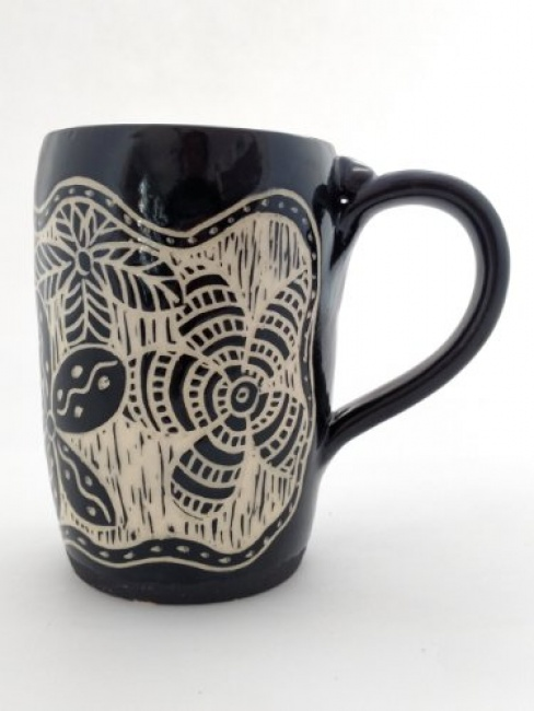 Mug- Black with carved floral pattern -Sgrafitto