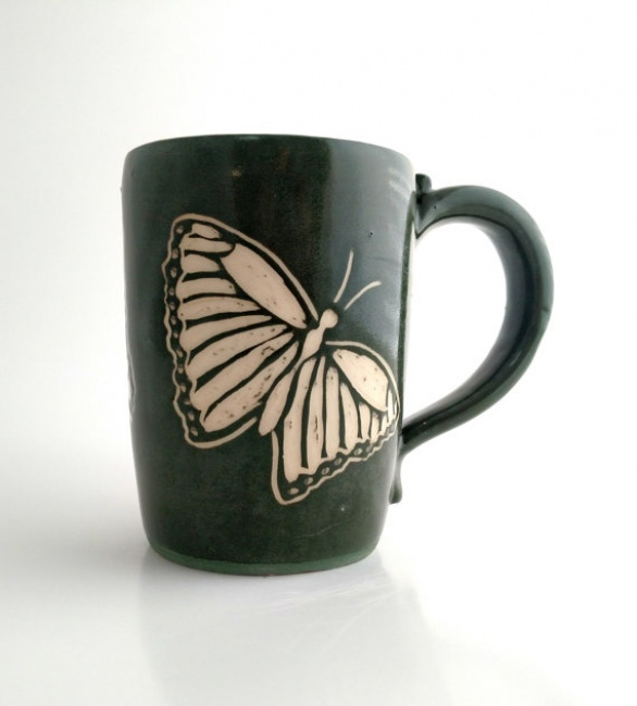 Mug- Carved butterfly -green -Sgrafitto